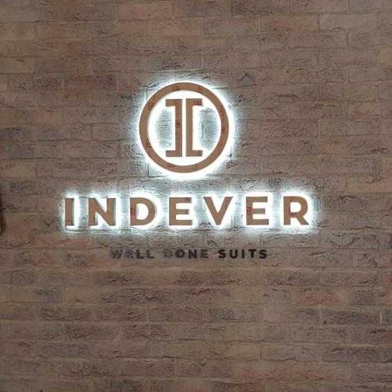 Световая вывеска для ателье «Indever»